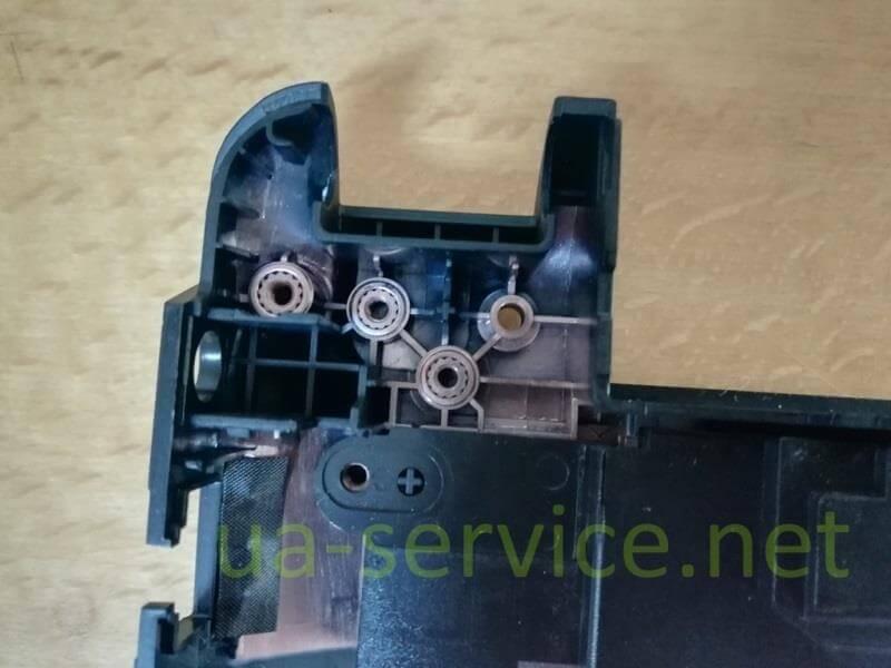 Кріплення нижнього корпусу Asus K45DE