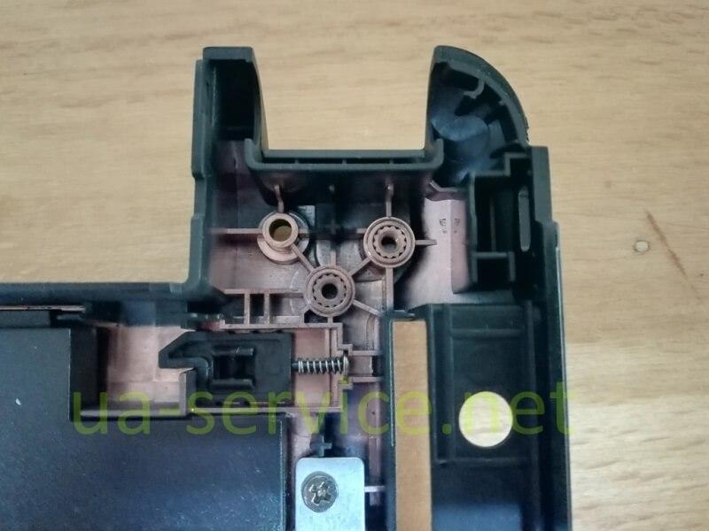 Кріплення нижнього корпусу ноутбуку Asus K45DE