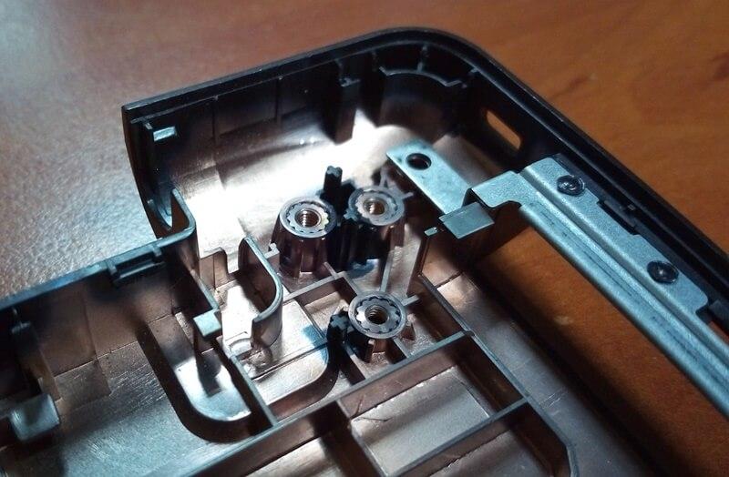Кріпильні втулки нижнього корпусу ноутбуку Asus X553m
